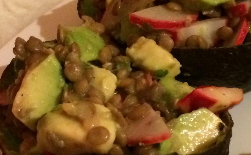Linsen-Radieschen-Salat mit Avocado – Da kannst Du Dein blaues Wundererleben!