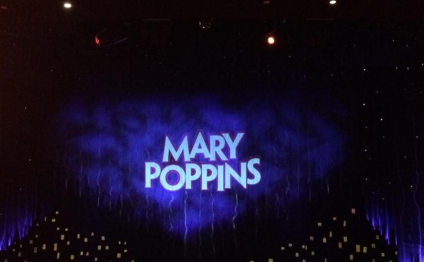 Mit 'nem Löffelchen voll Zucker – von Mary Poppins und einer himbeerigenBiskuitrolle